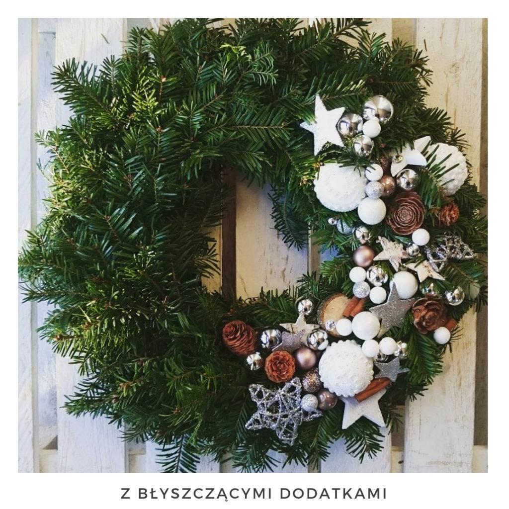 Świąteczny wianek narodzenie święta ozdoby zimowy dekoracje boże narodzenie świąteczne Pakamera święta bożego wianki świąteczne wianki na drzwi stroik jodła świerk szyszki choina świeży żywy